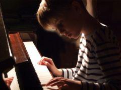 enfant_piano.jpg